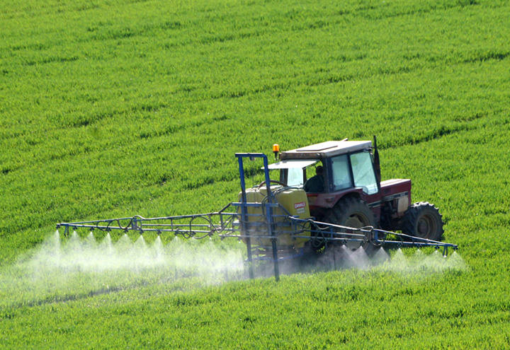 Defensivos agrícolas: Ministério da Agricultura registra 21 produtos técnicos